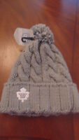 Toronto Maple Leafs Old Time Hockey Hat Cap Tuque Knitted New NWT