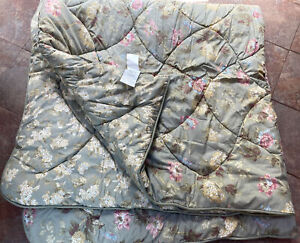 Laura Ashley Cottage Rose Shabby Chic Queen Comforter Pink Reversible