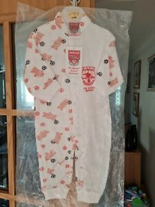 ARSENAL OUTFIT NEW WITH TAGS 3-6MTHS