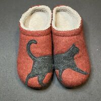 LL Bean Logo Red Faux Fur Lined Cat Print Lounge Slippers Shoes Women's 7M
