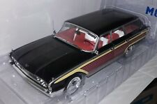 Model Car Group 1:18 Ford Country Squire nieuw in doos.