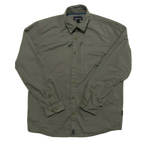 Patagonia Men Long Sleeve Vented Hiking/Fishing Shirt Size M Grey Roll up sleeve