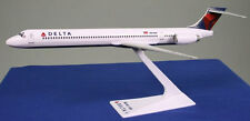Delta Air Lines McDonnell Douglas MD-90 1:200 Flugzeug Modell NEU 90 Airlines