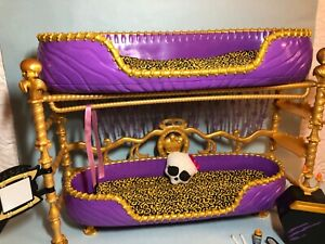 Monster High Dead Tired Clawdeen Wolf Bed Playset
