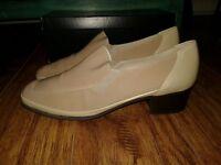 RANGONI Firenze ELVIRA Taupe Tan Leather Fabric Loafer Pump Women's 8
