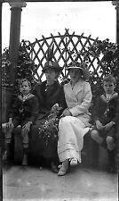 Portrait famille femmes & enfants en marins - négatif photo ancien circa 1910