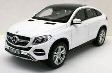 Modellini statici di auto, furgoni e camion bianco Coupe per Mercedes