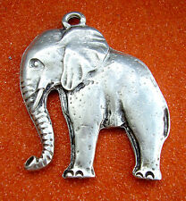 "J156 / GRAND PENDENTIF ""ELEPHANT"" METAL ARGENTE"