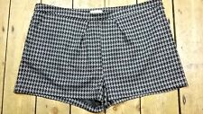 WOMENS HOUNDSTOOTH SHORTS SIZE 20 BNWT
