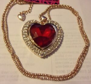 NWT BETSEY JOHNSON HEART RED CRYSTAL& GOLD TONE TRIM NECKLACE