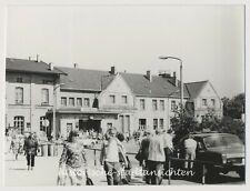 Werningerode - Bahnhof Passanten Autos - Altes Foto 1976