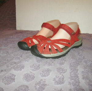 KEEN ROSE Size 9.5 SPORT SANDALS Active WATER Cushioned ADJUSTABLE Arch