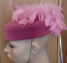 VINTAGE DUSKY PINK PILL BOX COCKTAIL WEDDING RACES FEATHER PLUME DRESS HAT