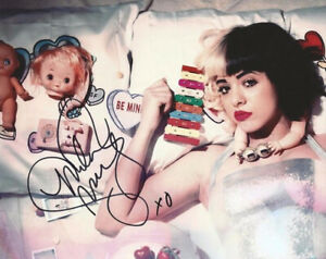 MELANIE MARTINEZ SIGNED PHOTO 8X10 RP AUTOGRAPHED ** CRY BABY **