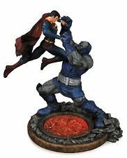 DC collectibles - Superman vs Darkseid - 2nd Edition - Statue
