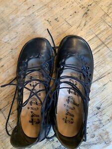 Chaussures TRIPPEN en noir, excellent état, très peu porté