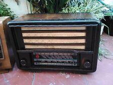 RADIO ANTIGUA VALVULAS DE MADERA. A 125 v.