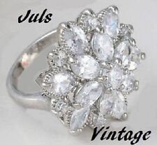 ANELLO GRACE KELLY 50s A FIORE CON 19 DIAMANTI-FANCY,PLATINO/ORO BIANCO:FAVOLOSO
