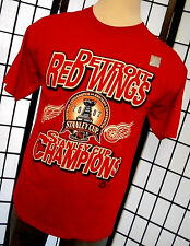Detroit Red Wings Stanley Cup Champions 2002 red t shirt Hologram sticker L tee
