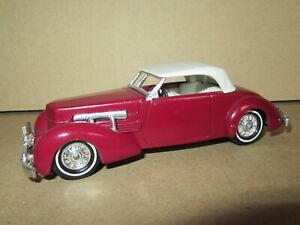 991P 1978'S Matchbox Yesteryear Y18 England Cord 812 Cabriolet 1937 Wine Red