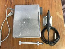 Kavo K9 Technikmaschine mit Handstück und Knieanlasser.