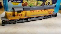 Athearn HO Scale Union Pacific SD40-2 Powered Diesel Locomotive #4236