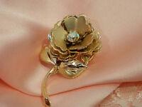 X Pretty Vintage 1950's Aurora Rhinestone Gold Tone Flower Brooch  2730o