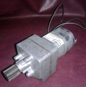 SIEMANS 71-340-297-002 Gear Charging Motor. 230v AC. 1/30 HP.   250 Volt DC.