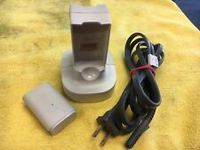 Microsoft DSPN-10EB A XBOX 360 White Dual Battery Quick Charger Dock & Battery