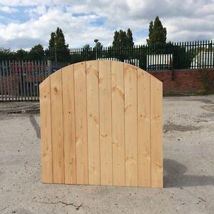 WOODEN GARDEN GATE / SIDE GATE!  HEAVY DUTY GARDEN GATE! FREE HINGES & TOP BOLT