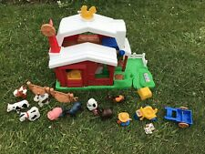 VINTAGE FISHER PRICE LITTLE PEOPLE FARM WITH PEOPLE AND ANIMALS
