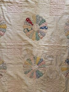 Beautiful Antique  Dresden Plate Crib Quilt!!