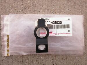 FITS: 81 - 89 TOYOTA PICKUP POSITIVE BATTERY TERMINAL CONNECTOR OEM BRAND NEW