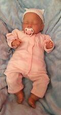 Bébé reborn fille prix réduit Child Friendly doll