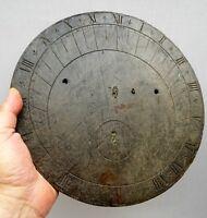 trés beau cadran solaire circulaire 19ème en ardoise aux fleurs de lys