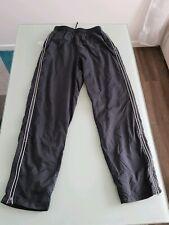52d388561faa2 Jogging Nylon Nike taille M bas survêtement footlocker Adidas