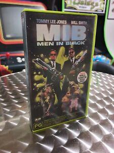 Men In Black (MIB) - VHS Videotape PAL Cult Classic Tommy Lee Jones & Will Smith