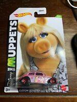 2021 HOT WHEELS NEW DISNEY THE MUPPETS MISS PIGGY VOLKSWAGEN BEETLE