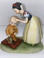 VINTAGE WALT DISNEY PRODUCTIONS SNOW WHITE KISSING DOPEY BISQUE FIGURINE- Japan