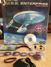 Polar Lights 1:350 USS Enterprise with Lighting Kit