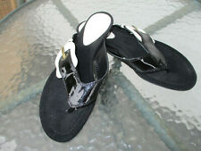 FENDI black-white patent Leather,thong,Flat Sandals/Flip Flops size 38,5