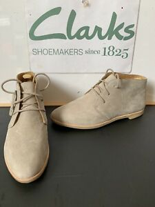 Clarks Originals Leather Boots Size UK 7 EU 41 NEW
