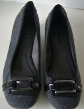 Life Stride Gray Fabric Buckle Low Heel Shoes Women's Size 9M