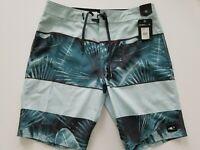 """O'Neill Mens 32W Green Palmz Boardshorts 20"""" Length SP9106033"""