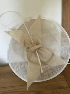 Natural Sinamay Disc Special Occasion Fascinator with Bow & Twirl