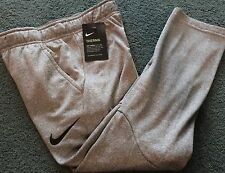 NWT Nike Boys Youth SM Gray/Black Embroider Swoosh Therma-Fit Sweat Pants YSM