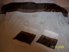 A double duvet set, cream, with brown band, and circles, cover + 2 pillowcases