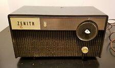 Vintage Zenith Tube Radio Model X114C CHASSIS 5M04 Mid-Century
