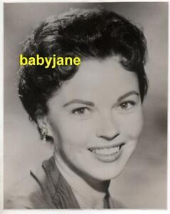 SHIRLEY TEMPLE ORIGINAL 7X9 PHOTO LOVELY PORTRAIT 1959