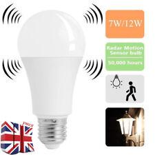 Sensor de movimiento PIR E27 LED Lámpara Bombilla Globo Auto encendido/apagado de ahorro de energía luz UK